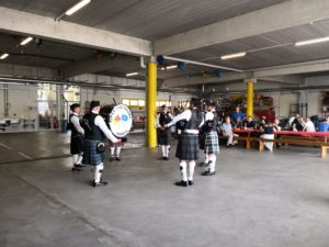 Prestation des Pipe and Drums of Geneva